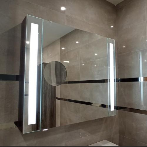 Toaletne omarice in ogledala